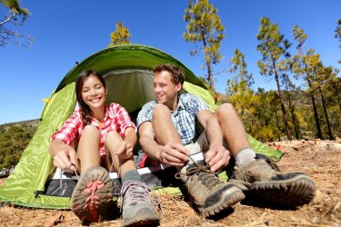 Lace-Tying-Couple-Camping-375