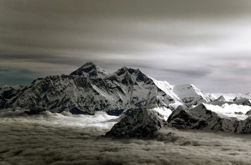 25 Everest Expedition Pictures -Mt. Everest - The Head of the Sky - 1