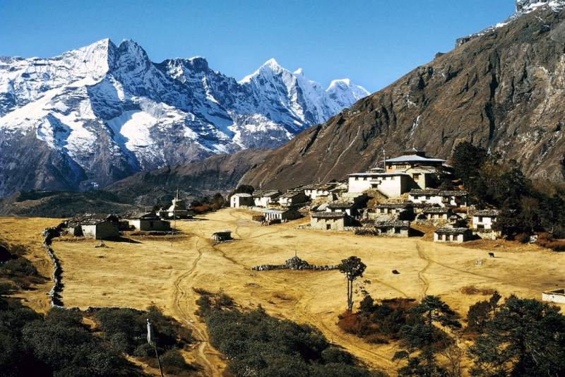 3-25 Everest Expedition Pictures - Tengboche Monastery - Tengboche Monastery - Khumbu, Kingdom of Nepal