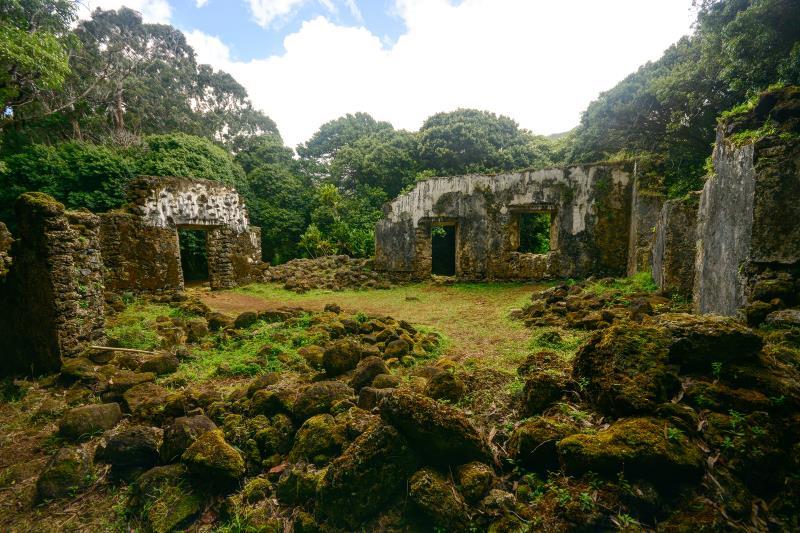 11) Hawaii - Kaniakapupu Honolulu - Haunted Hiking Trails 50 States