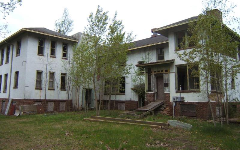 23) Minnesota - Lake Julia Sanitarium Puposky - Haunted Hiking Trails 50 States