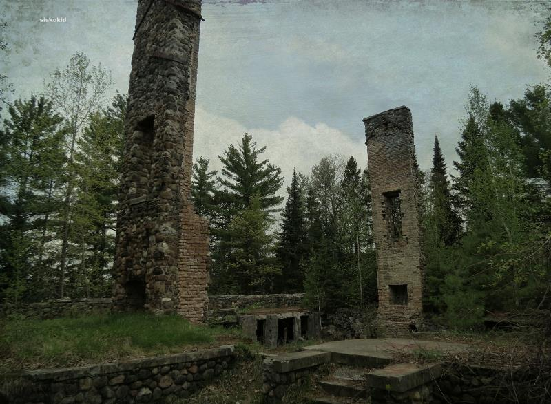 49) Wisconsin - Summerwind Mansion West Bay Lake - Haunted Hiking Trails 50 States