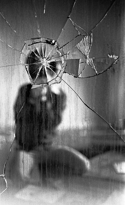 broken mirror - haunted house signs