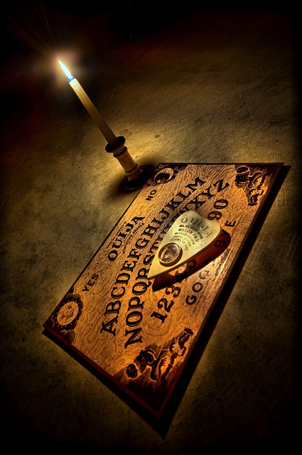 Board and Candle - How to use a ouija board