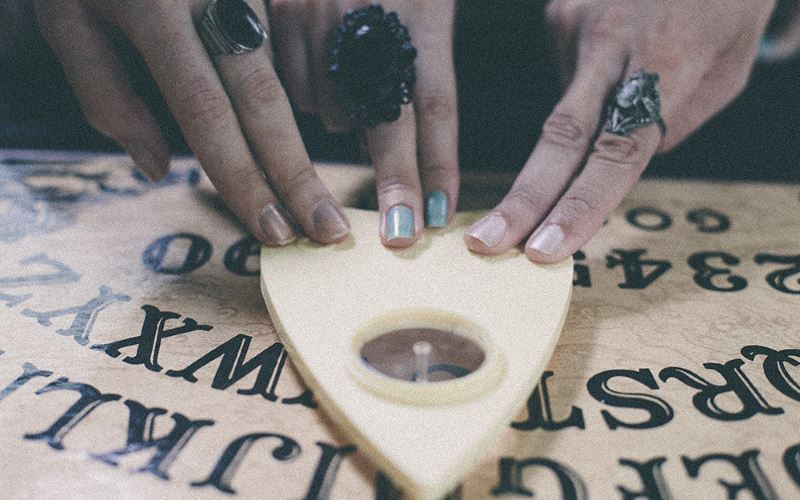 How to Safely Use a Ouija Board to Contact Spirits