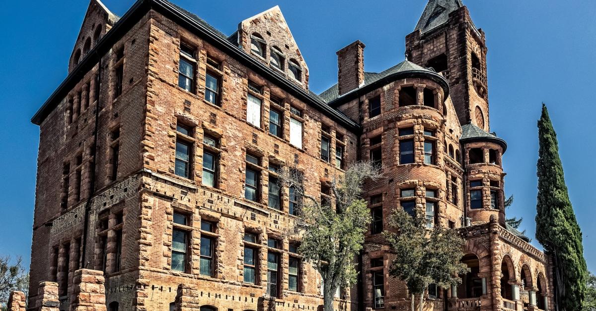 Do you dare seek the evil within preston castle for Pennsylvania hotel new york haunted