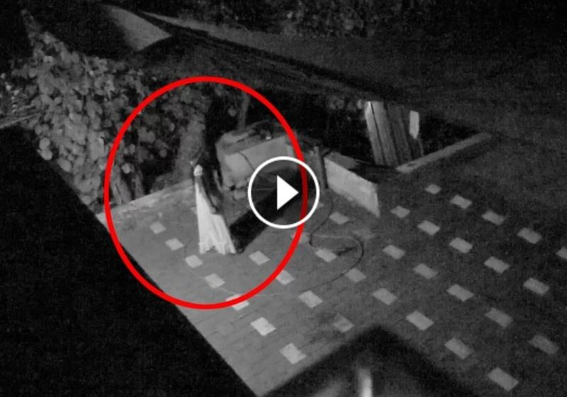 Scary Videos - Chilling Footage Of Ghost Caught On CCTV Camera - ftr