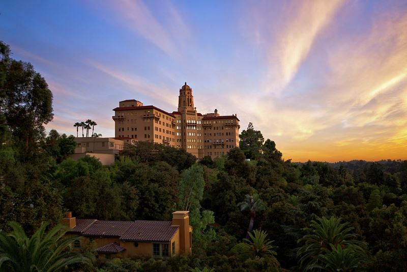 10 Southern California Hotels As Beautiful As They Are Haunted