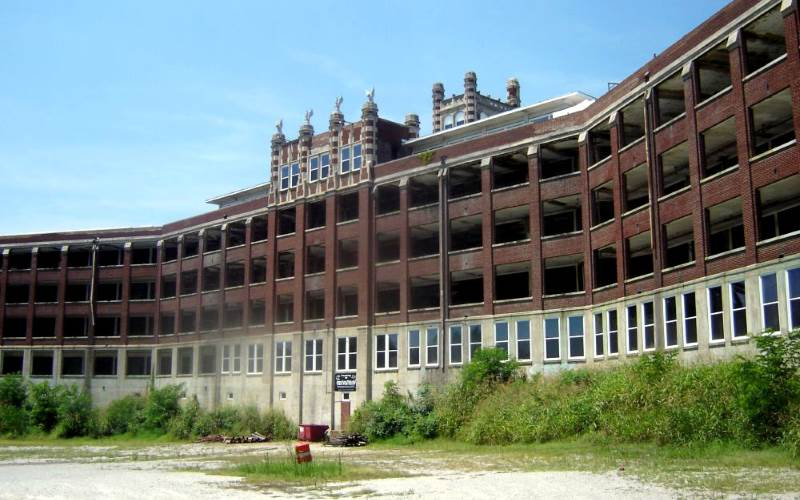 10 Most Haunted Insane Asylums In America