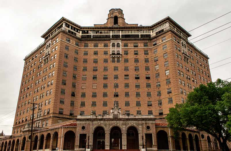The Baker Hotel is an incredible building, loved by architecture buffs and paranormal adventurers alike.