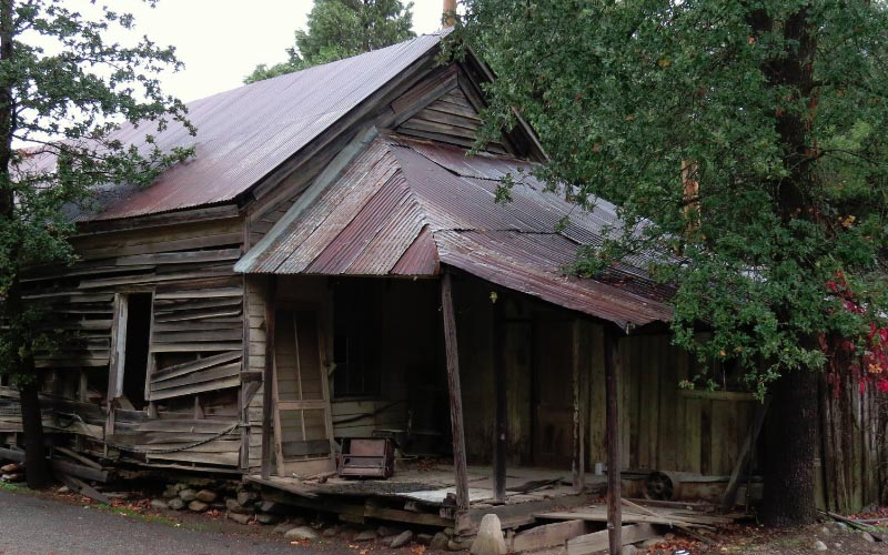 This old cabin looks mighty haunted, don't you think? Take a trip to French Gulch and find out.