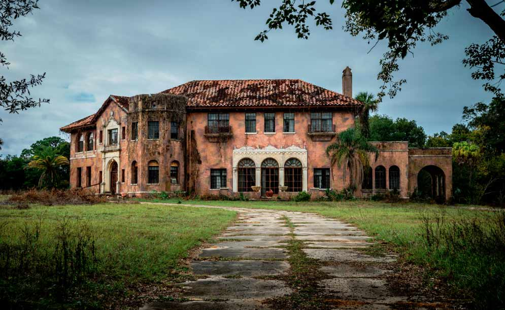 10 Abandoned Buildings In Florida Haunted By Black Eyed Kids