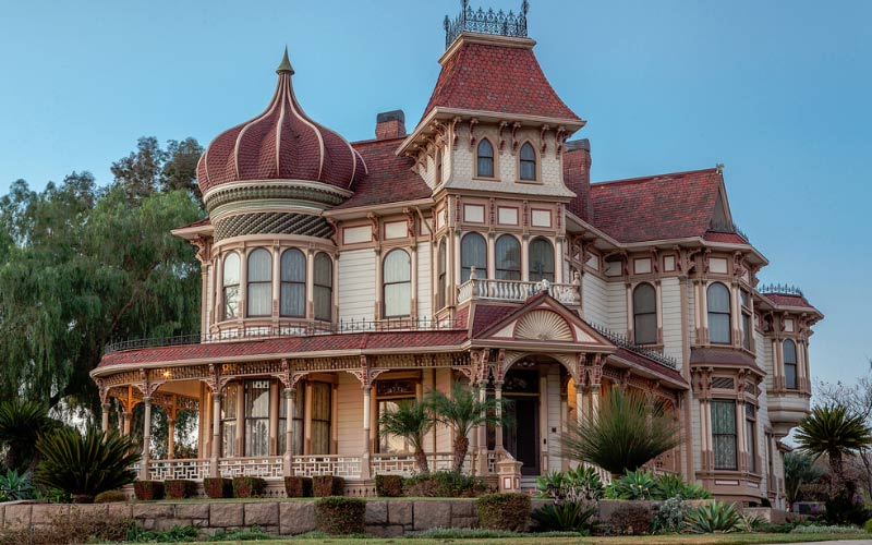 Morey Mansion in Redlands is an absolutely stunning building, and what's inside may even take your breath away.