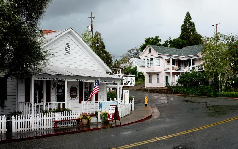Sutter Creek is more than just a tourist town in California, they have a rich local history. Some of it is paranormal.