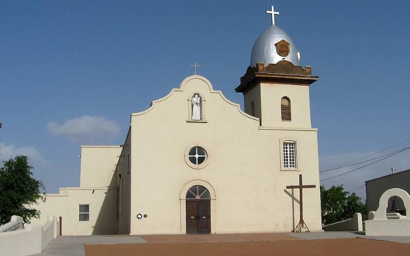 Down in El Paso, La Misión de Corpus Christi de San Antonio de la Ysleta is just a little bit more haunted that most of the missions in the rest of Texas.