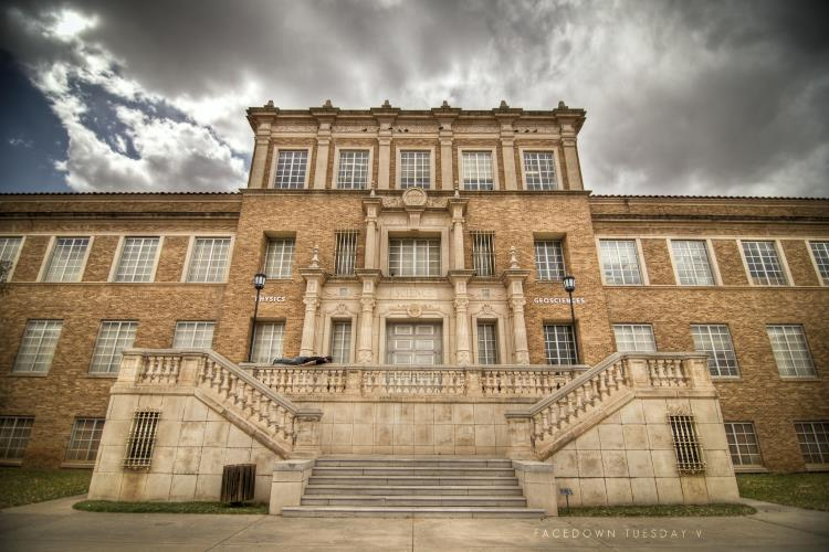 The 10 Best Colleges in Texas To Spot A Ghost