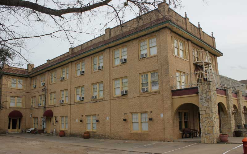 This Glen Rose Hotel in Texas is even more haunted than you might expect it to be...