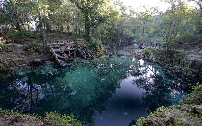 10-paranormal-swimming-holes-in-florida-that-will-make-you-feel-like-youre-in-the-twilight-zone
