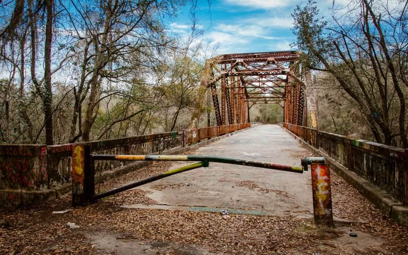 Want to Be Afraid? Explore These 9 Haunted Florida Bridges