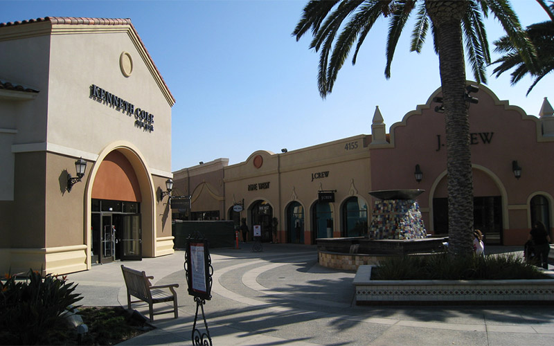 A Deadly Spirit Lurks in the Bathroom at This California Shopping Outlet