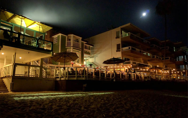9 Best And Possibly Haunted Oceanfront Restaurants In California