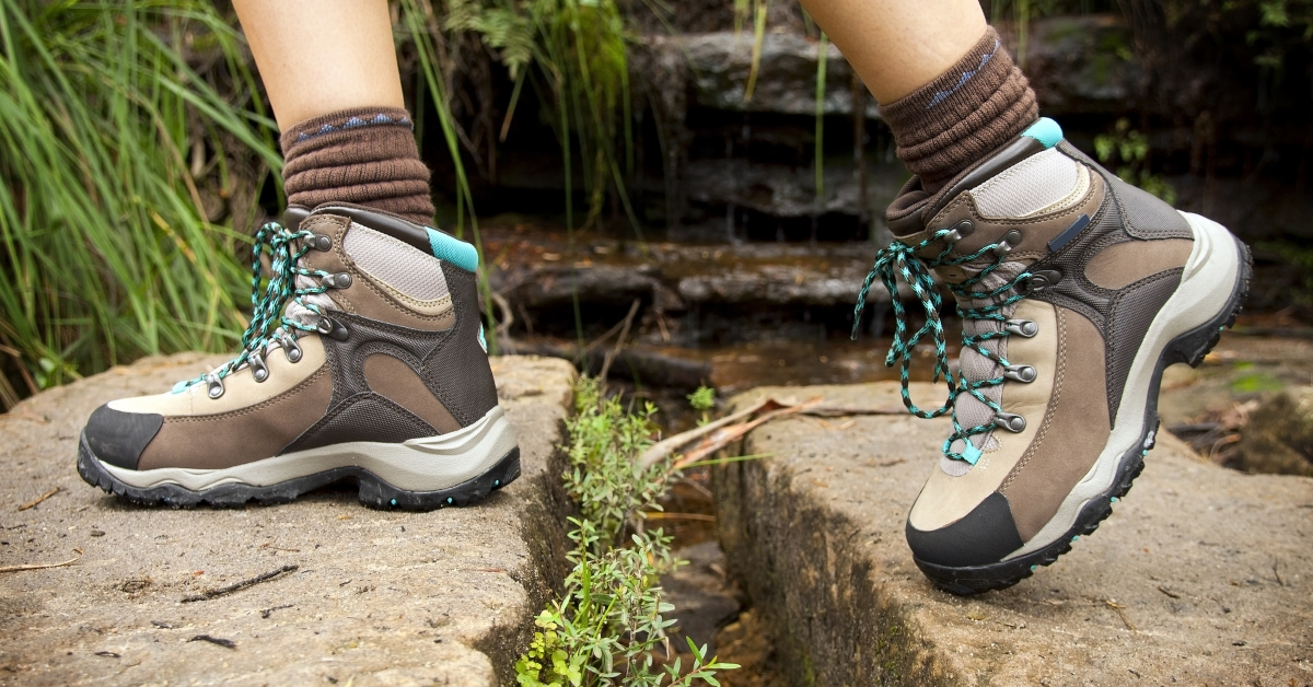 The 6 Best Lightweight Hiking Boots For Women (Top Picks For 2017)