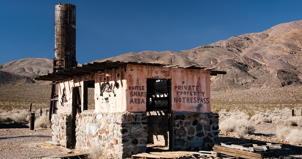 10 most haunted ghost towns in california for Pennsylvania hotel new york haunted
