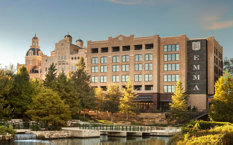 Hotel Emma at Pearl on the Riverwalk - Popular hotel in the heart of San Antonio
